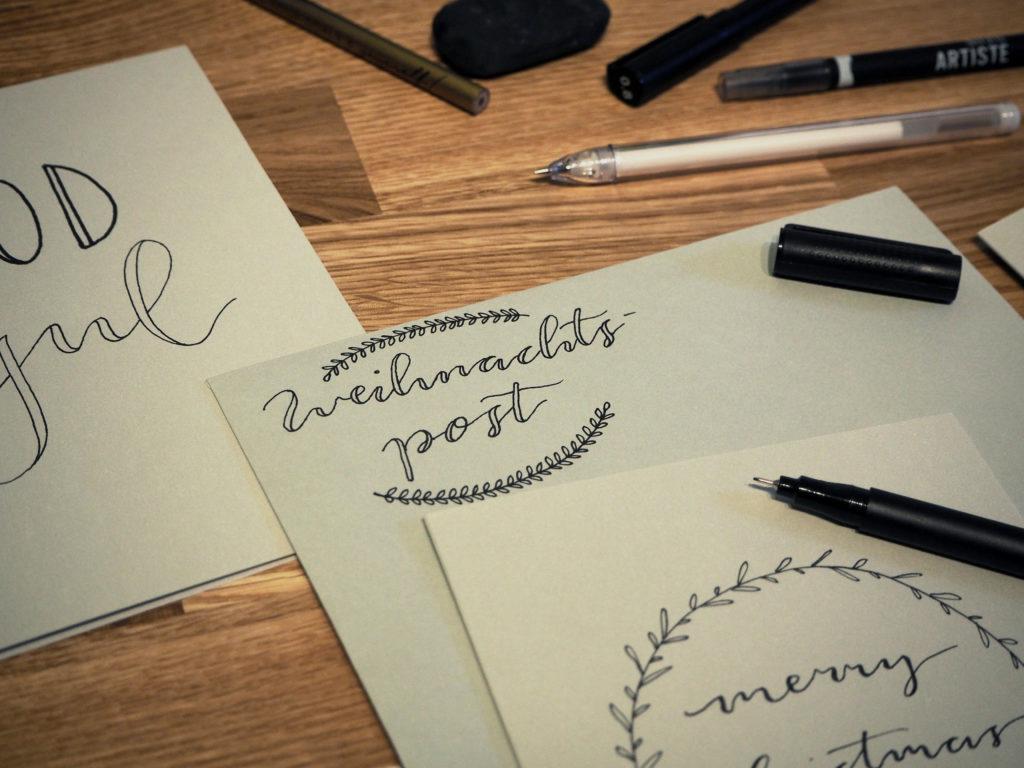 2017-11-skoen-och-kreativ-diy-wrapping-wednesday-lettering-fuer-weihnachtskarten (19)