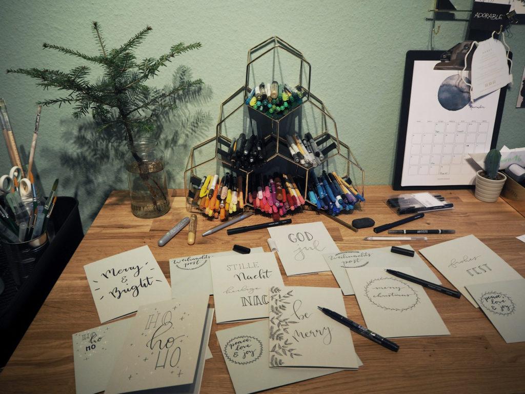 2017-11-skoen-och-kreativ-diy-wrapping-wednesday-lettering-fuer-weihnachtskarten (24)
