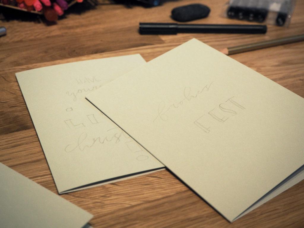 2017-11-skoen-och-kreativ-diy-wrapping-wednesday-lettering-fuer-weihnachtskarten (8)