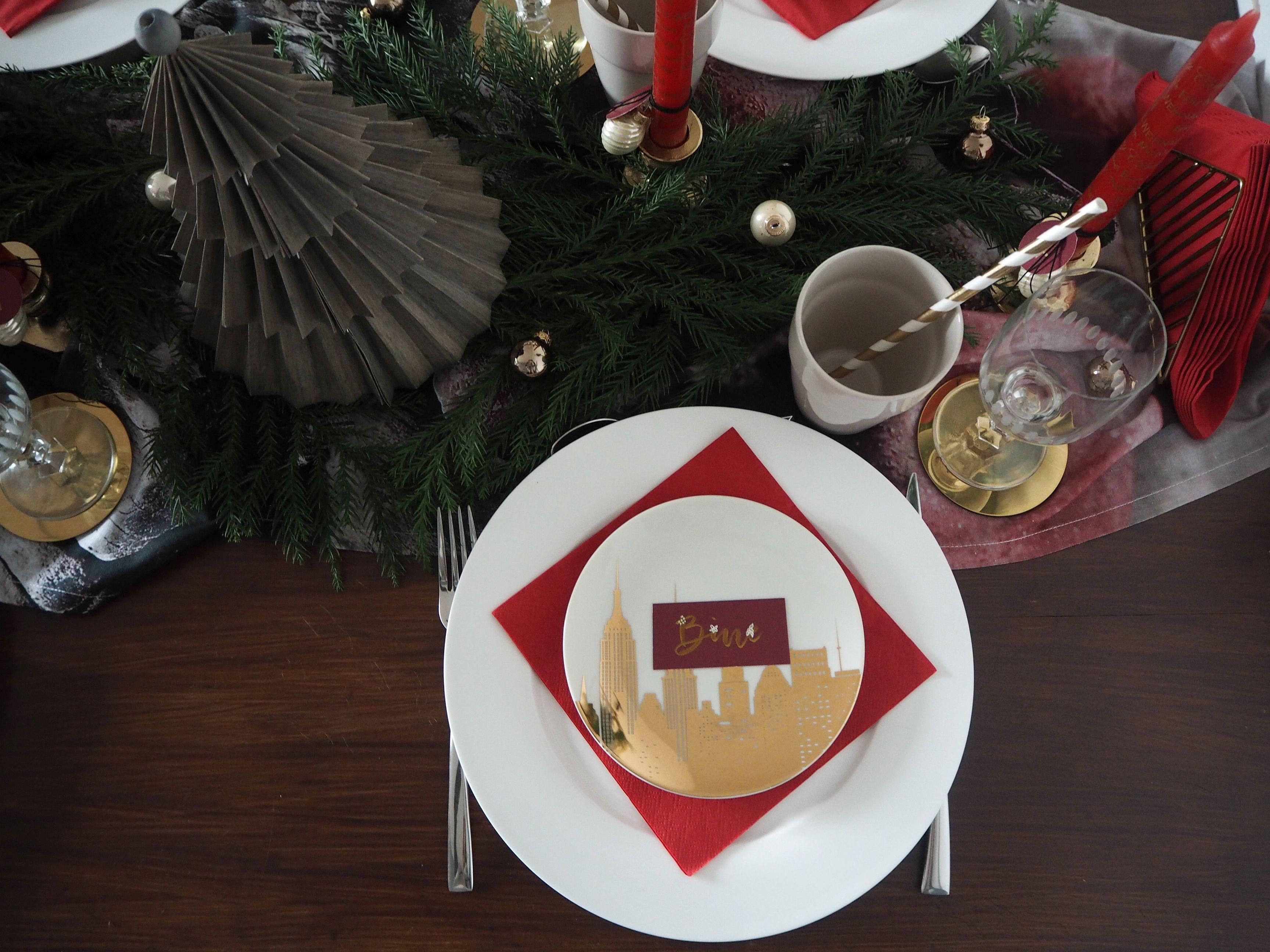 2017-12-skoen-och-kreativ-interior-tischdeko-klassisch-rot-weihnachtstisch (11)