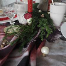 2017-12-skoen-och-kreativ-interior-tischdeko-klassisch-rot-weihnachtstisch (20)