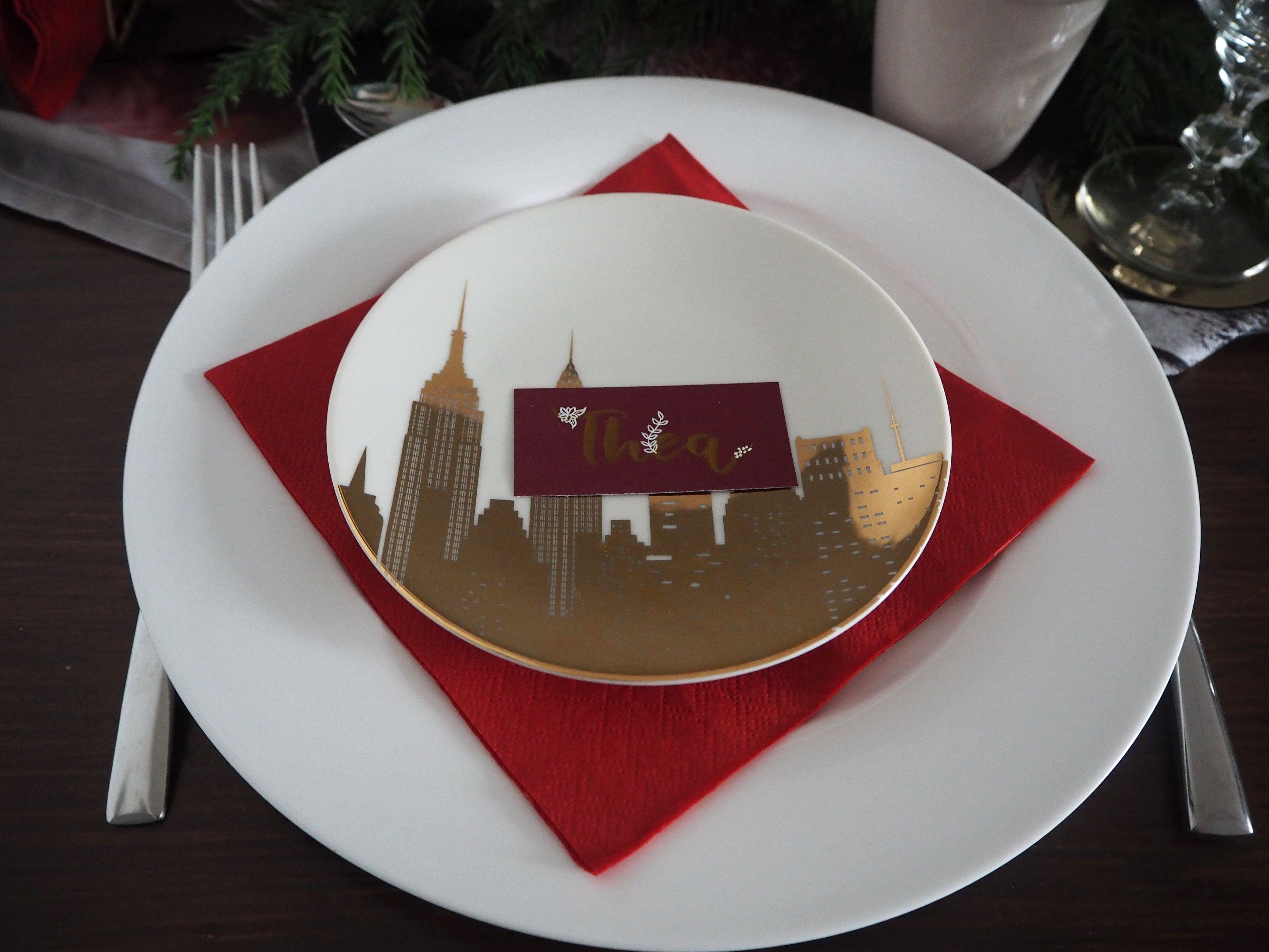 2017-12-skoen-och-kreativ-interior-tischdeko-klassisch-rot-weihnachtstisch (6)