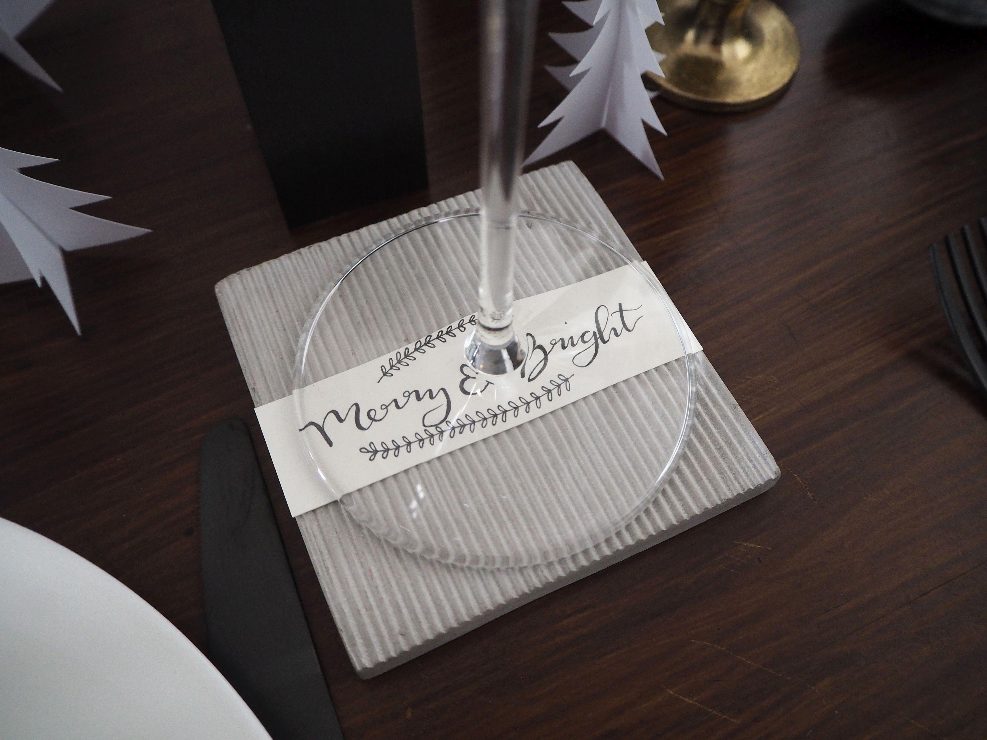 2017-12-skoen-och-kreativ-interior-tischdeko-weihnachtliche-winterlandschaft-tisch-grau (15)