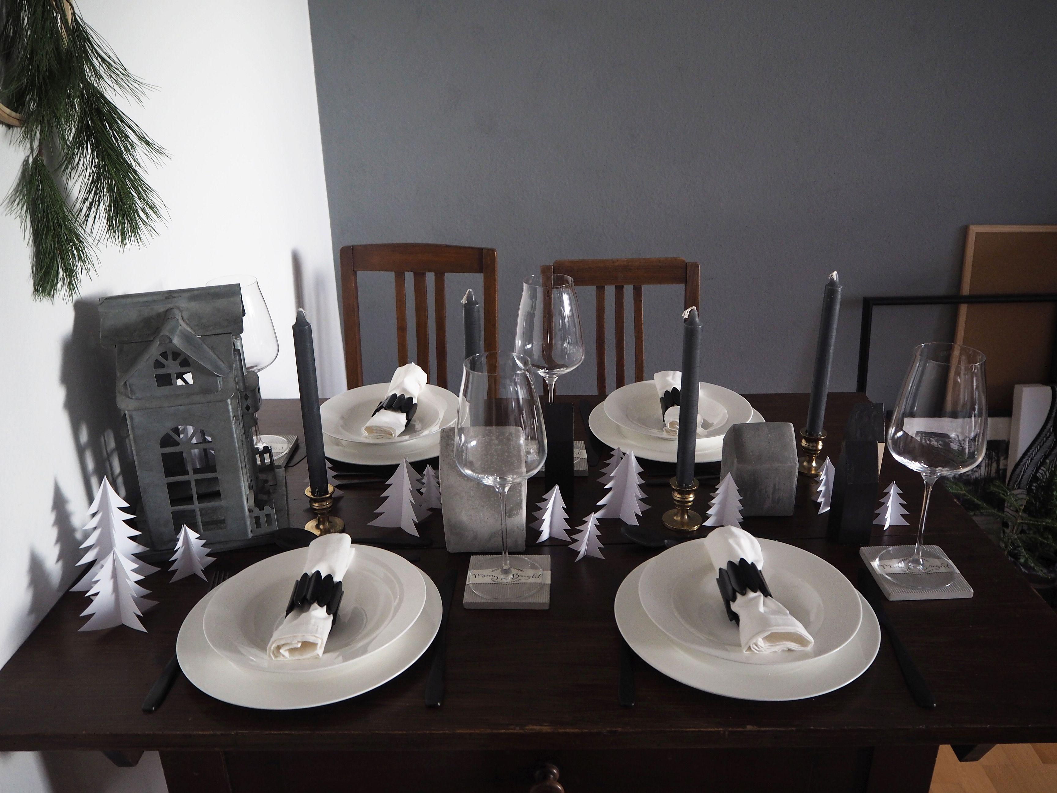 2017-12-skoen-och-kreativ-interior-tischdeko-weihnachtliche-winterlandschaft-tisch-grau (4)