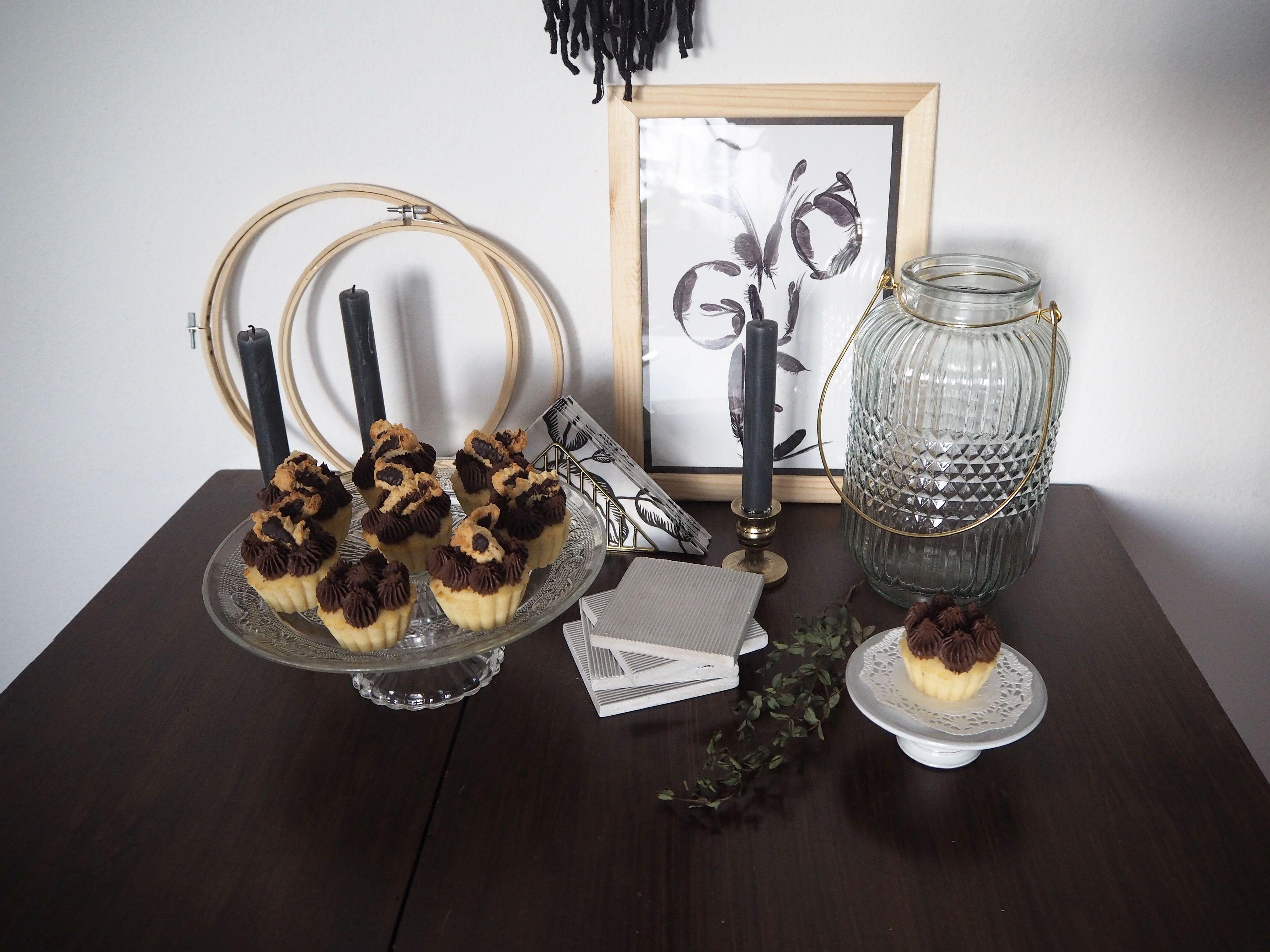 2018-01-skoen-och-kreativ-food-cookies-cake-love-vanilla-chocolate-cupcakes (1)