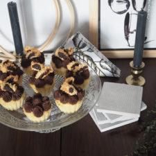 2018-01-skoen-och-kreativ-food-cookies-cake-love-vanilla-chocolate-cupcakes (15)