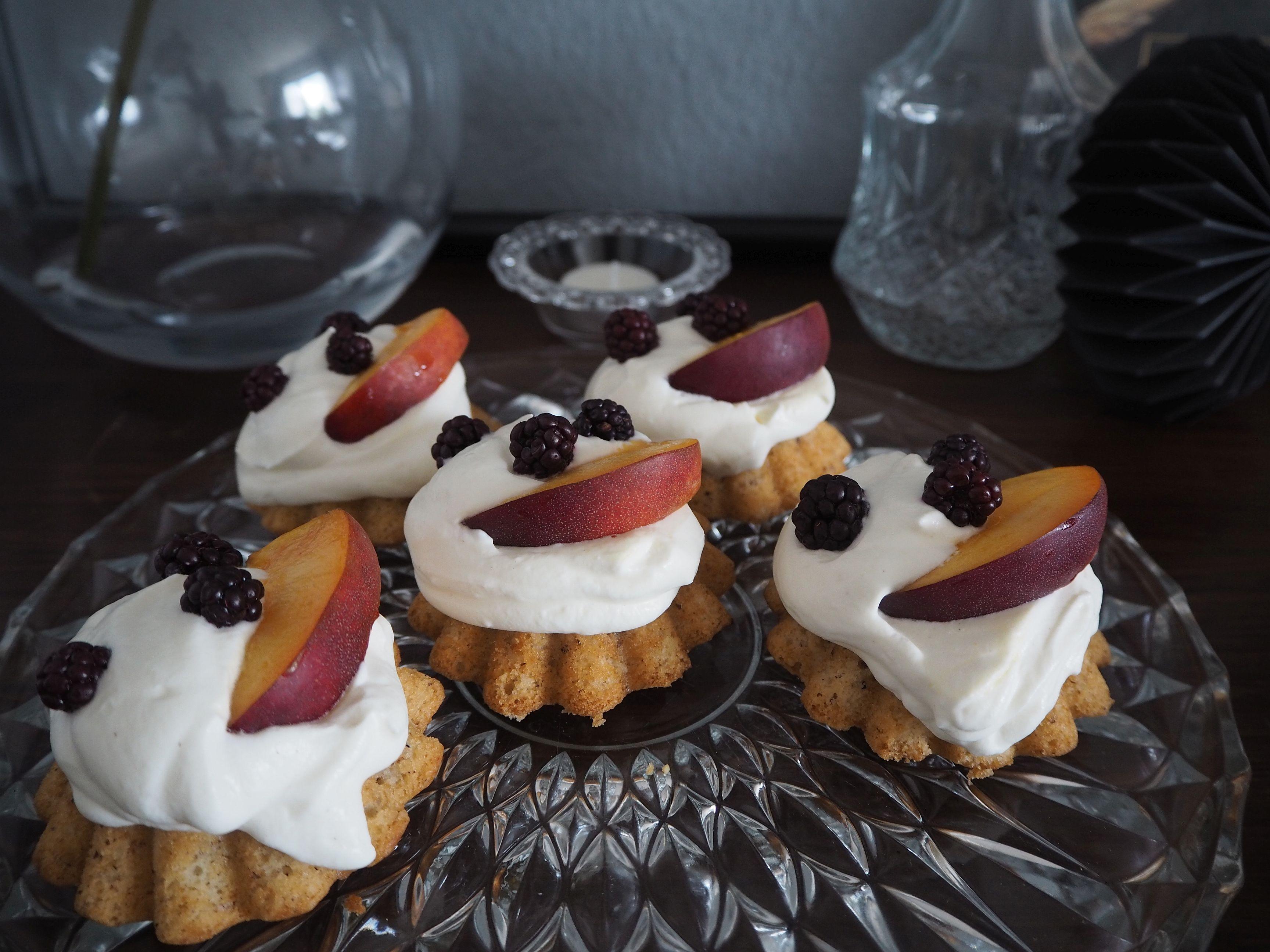 2018-04-skoen-och-kreativ-food-mandel-nuss-cupcakes (10)