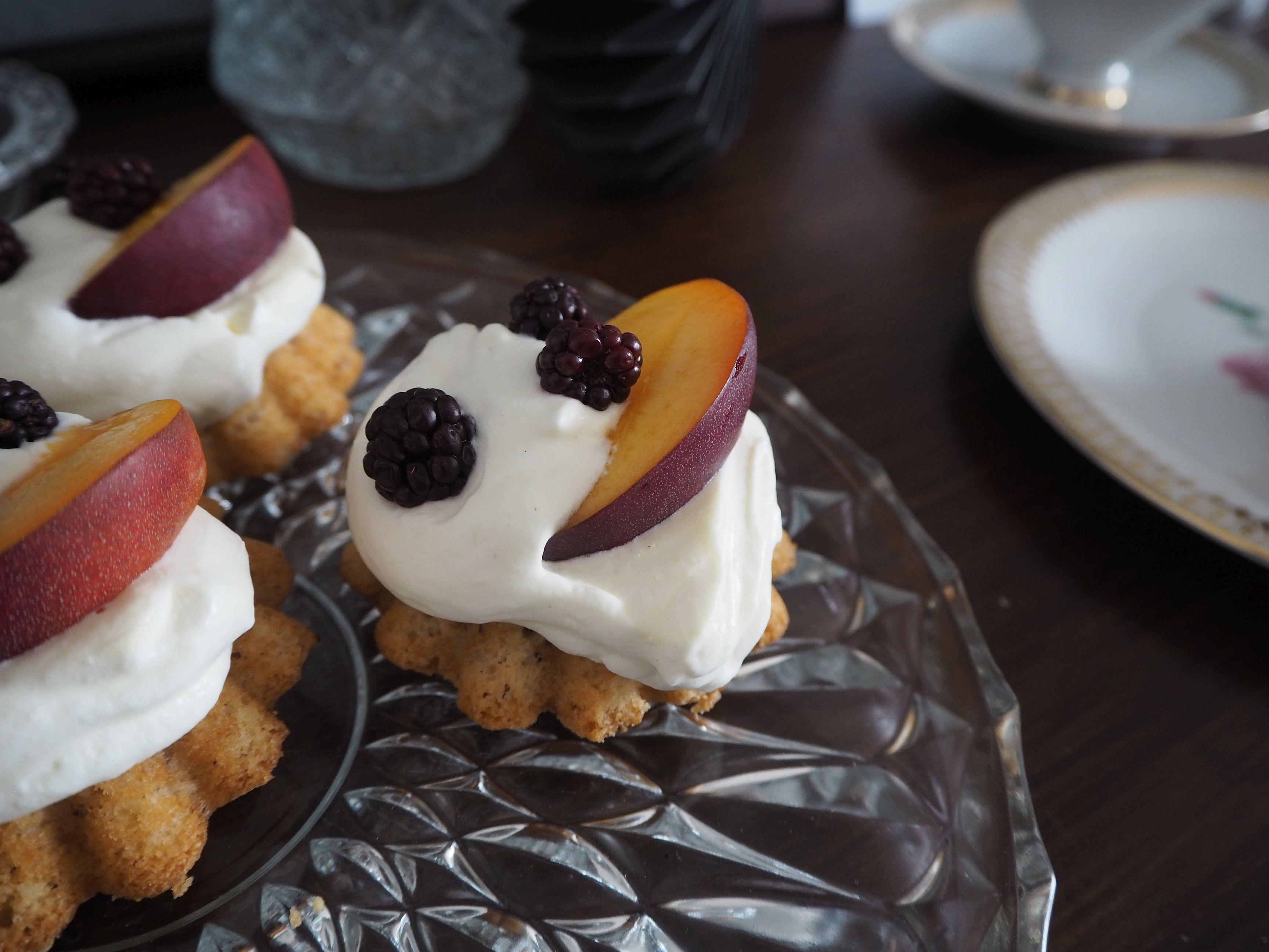 2018-04-skoen-och-kreativ-food-mandel-nuss-cupcakes (11)