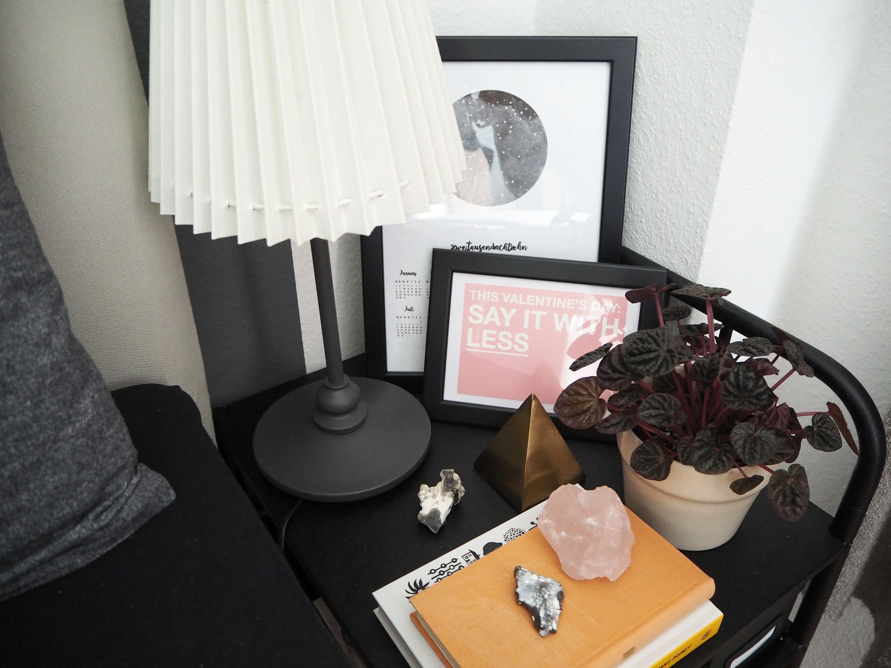 2018-04-skoen-och-kreativ-interior-farben-fuers-schlafzimmer-zartes-rose-und-gelb (20)