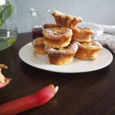 2018-05-skoen-och-kreativ-food-mittsommar-rhabarber-mini-cakes-fuers-kuchenbuffet (12)