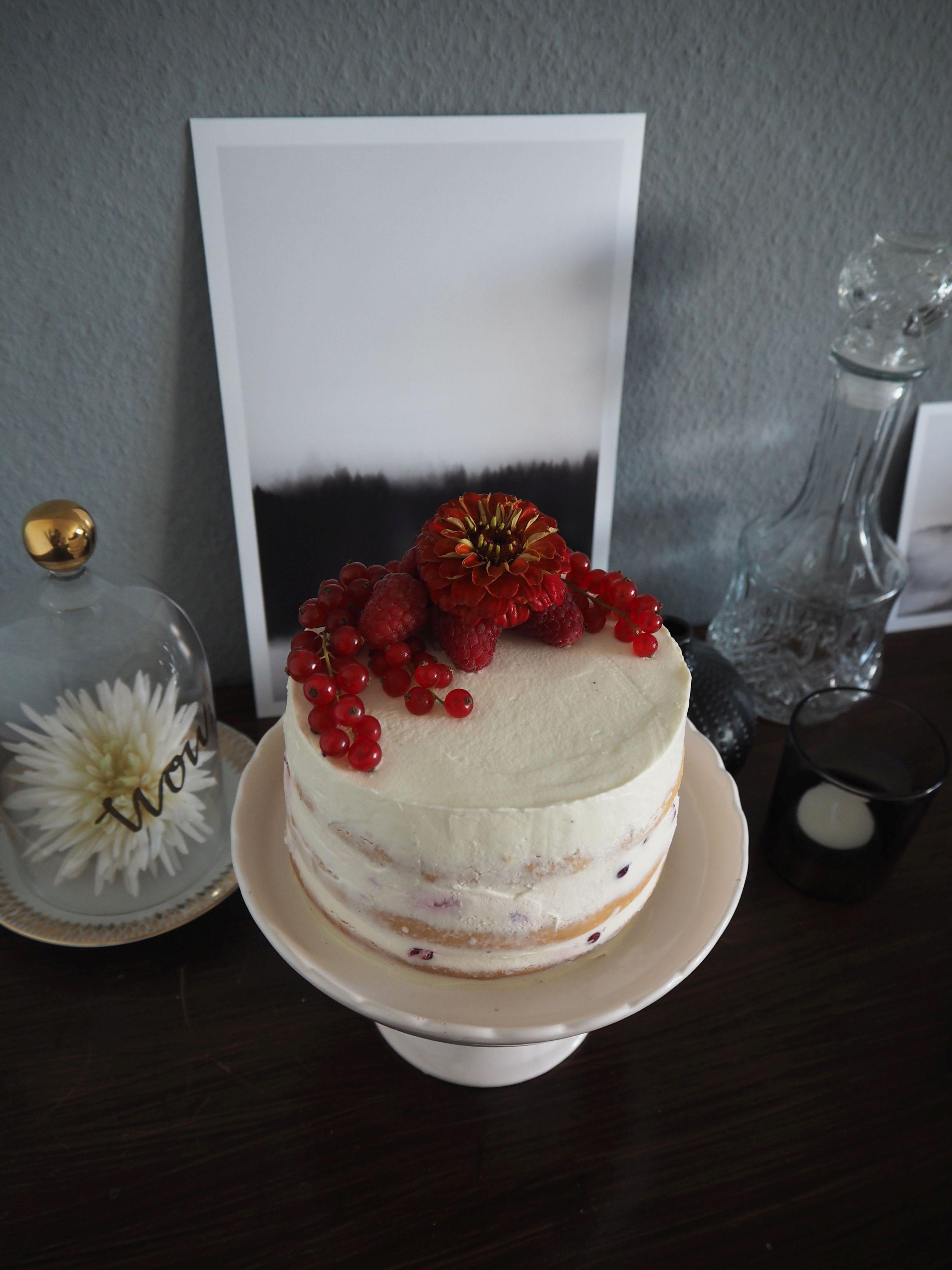 2018-05-skoen-och-kreativ-foodberry-semi-naked-cake-beeren-torte-zum-muttertag (3)
