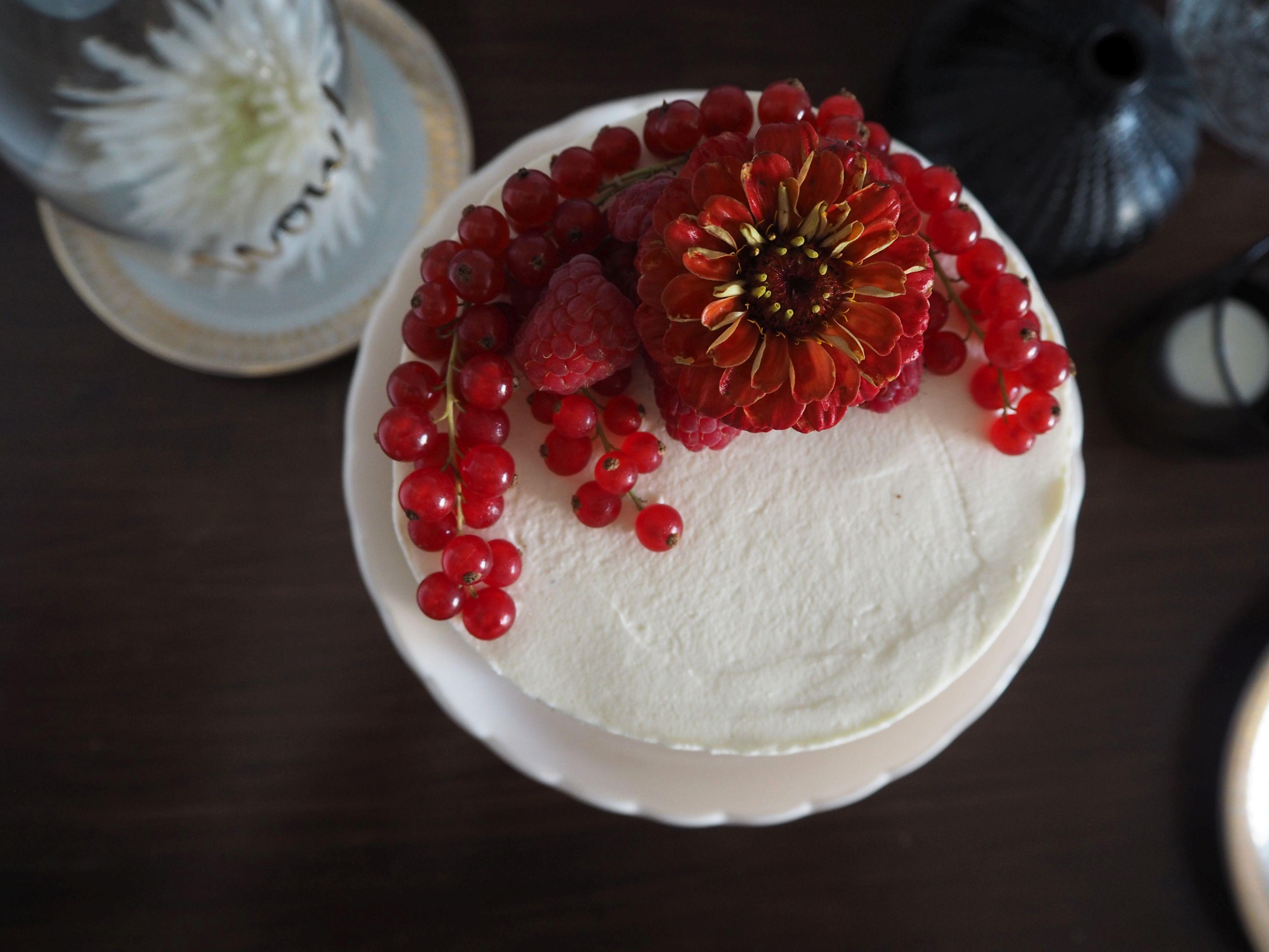 2018-05-skoen-och-kreativ-foodberry-semi-naked-cake-beeren-torte-zum-muttertag (6)