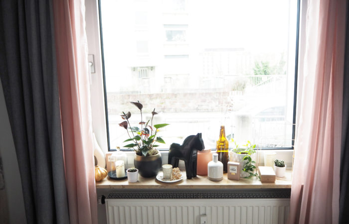 {Interior} Schlafzimmer: Deko für die Fensterbank