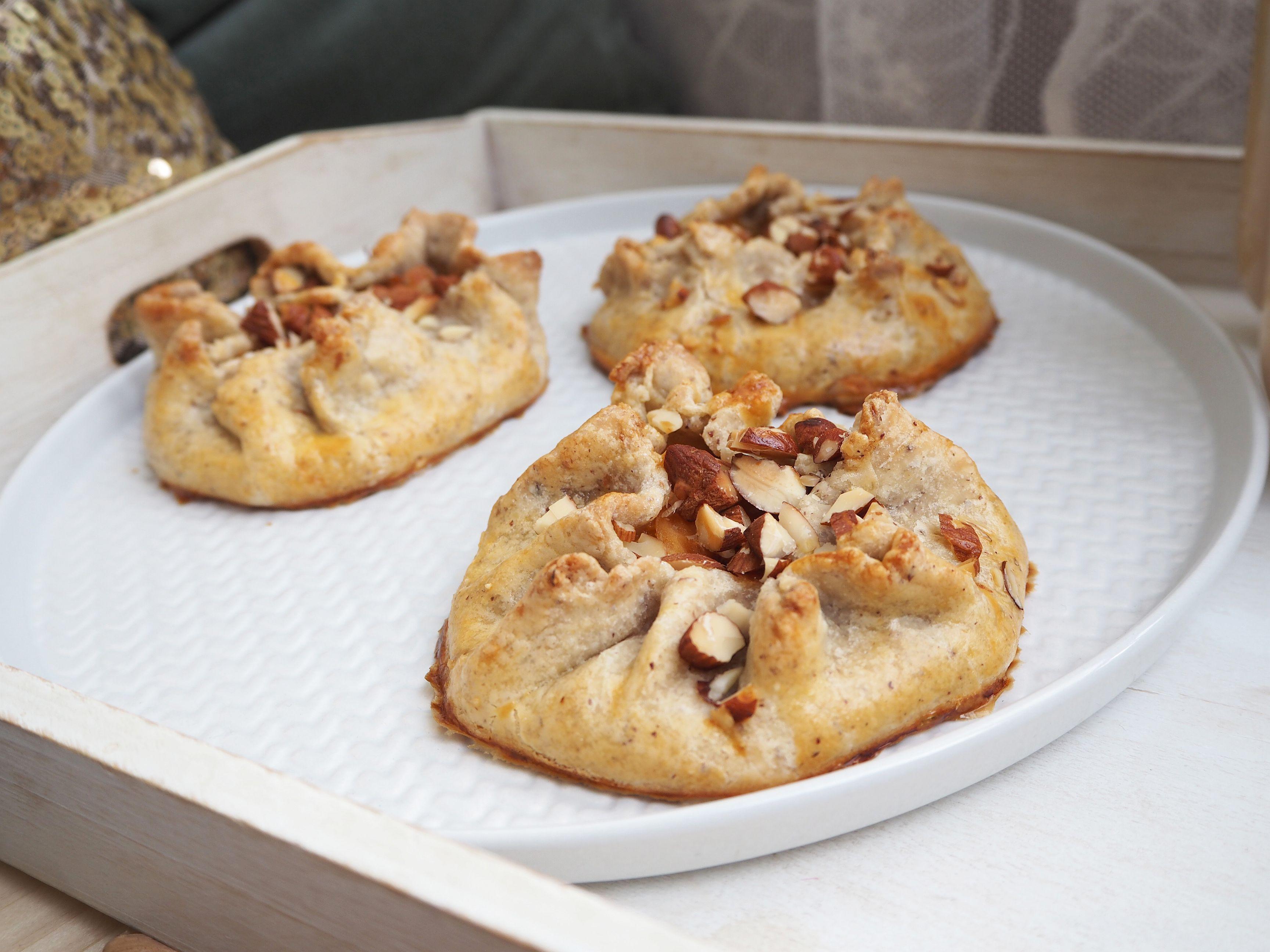 2018-06-skoen-och-kreativ-food-midsommar-aprikosen-galettes-mit-mandeln (11)