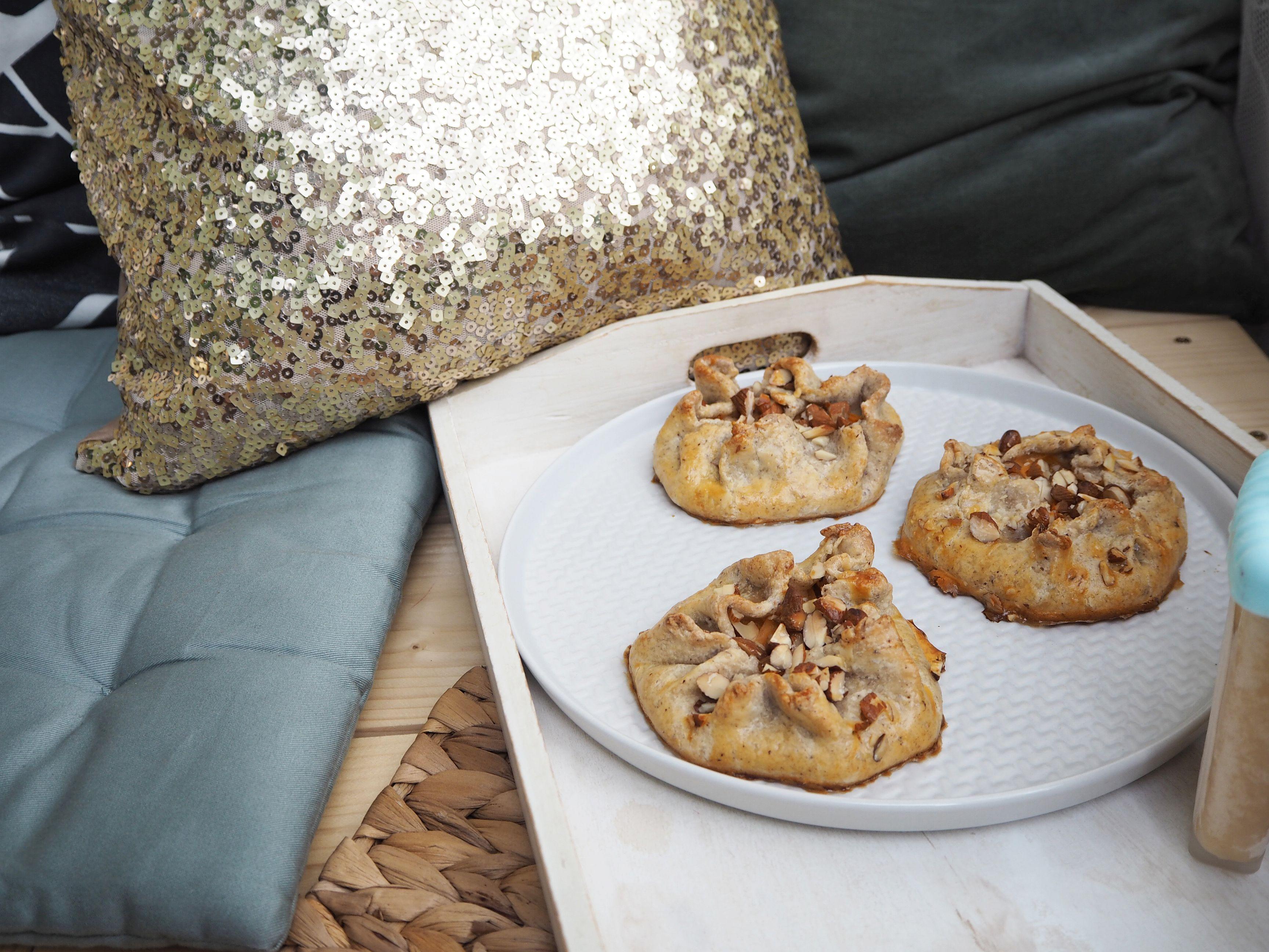 2018-06-skoen-och-kreativ-food-midsommar-aprikosen-galettes-mit-mandeln (15)