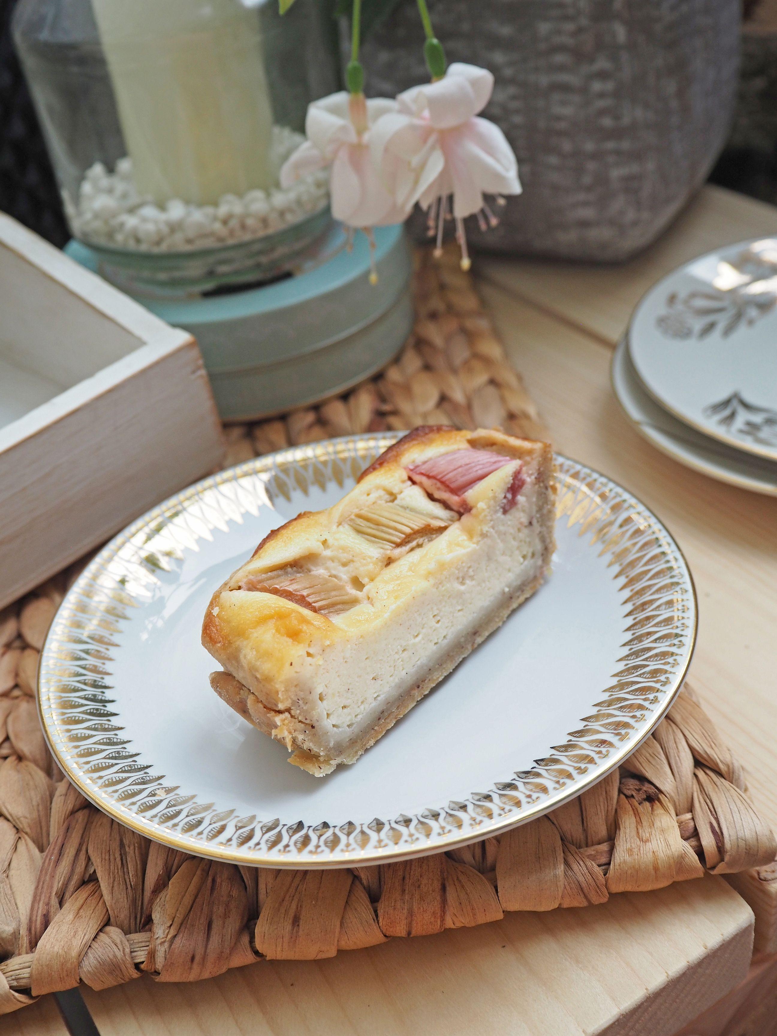2018-06-skoen-och-kreativ-food-midsommar-rhabarber-zimt-tarte (11)
