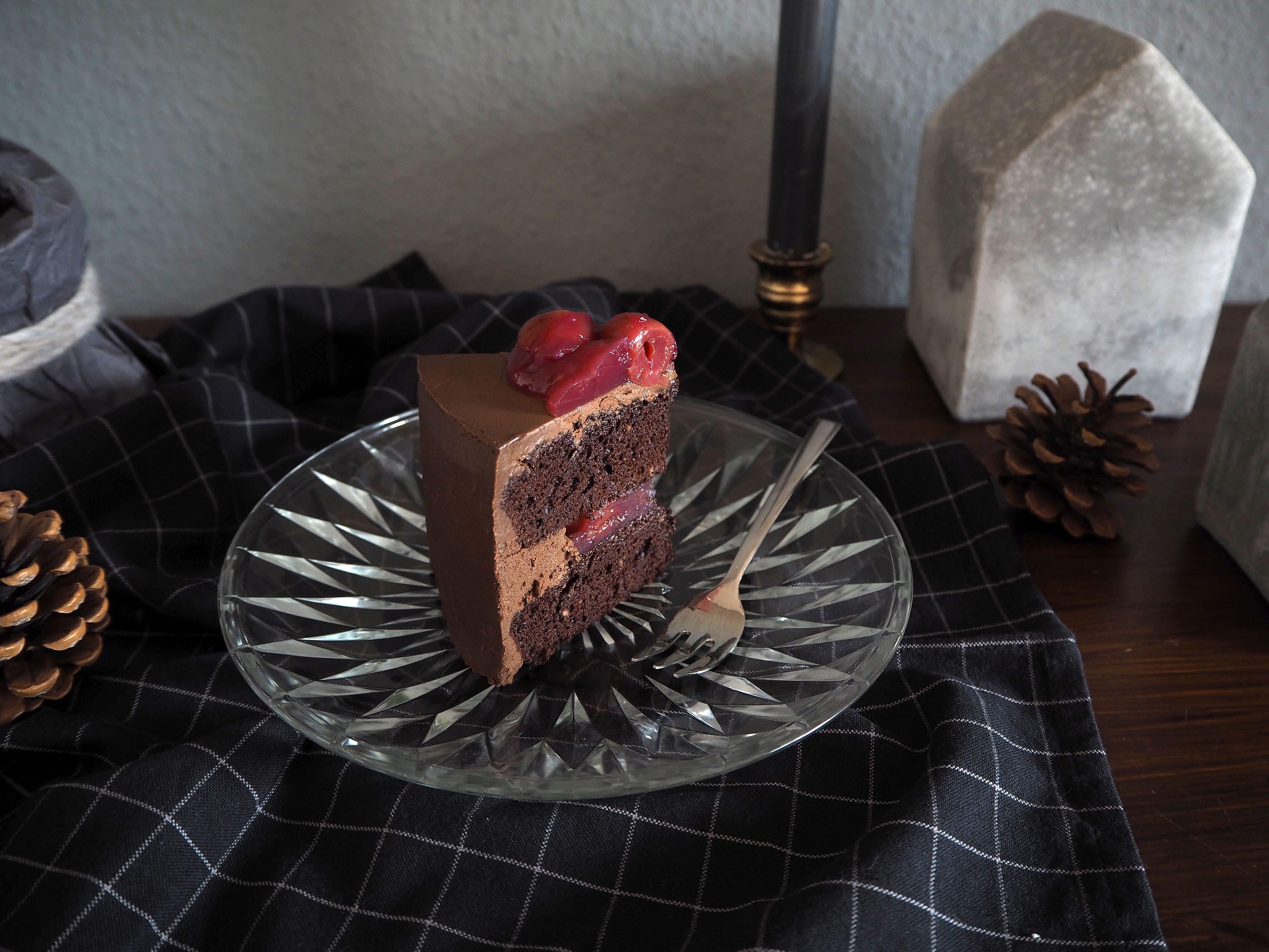 2017-12-skoen-och-kreativ-adventskalender-cookie-and-cake-love-chocolate-cherry-cake (11)