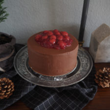 2018-12-skoen-och-kreativ-food-god-jul-chocolate-cherry-cake-schokotorte (13)