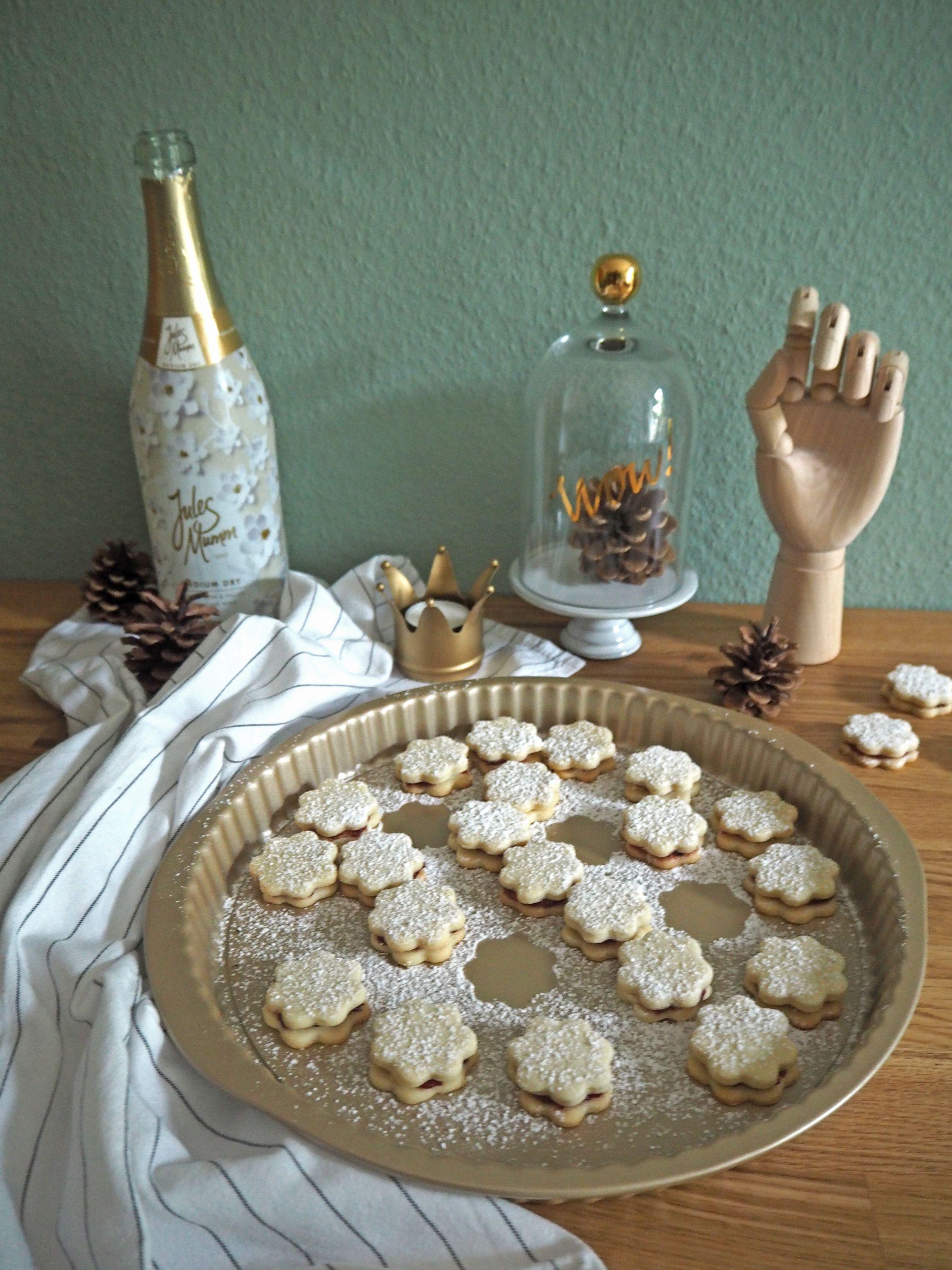 2018-skoen-och-kreativ-food-god-jul-plaetzchen-vanille-cookies-mit-marmelade (10)