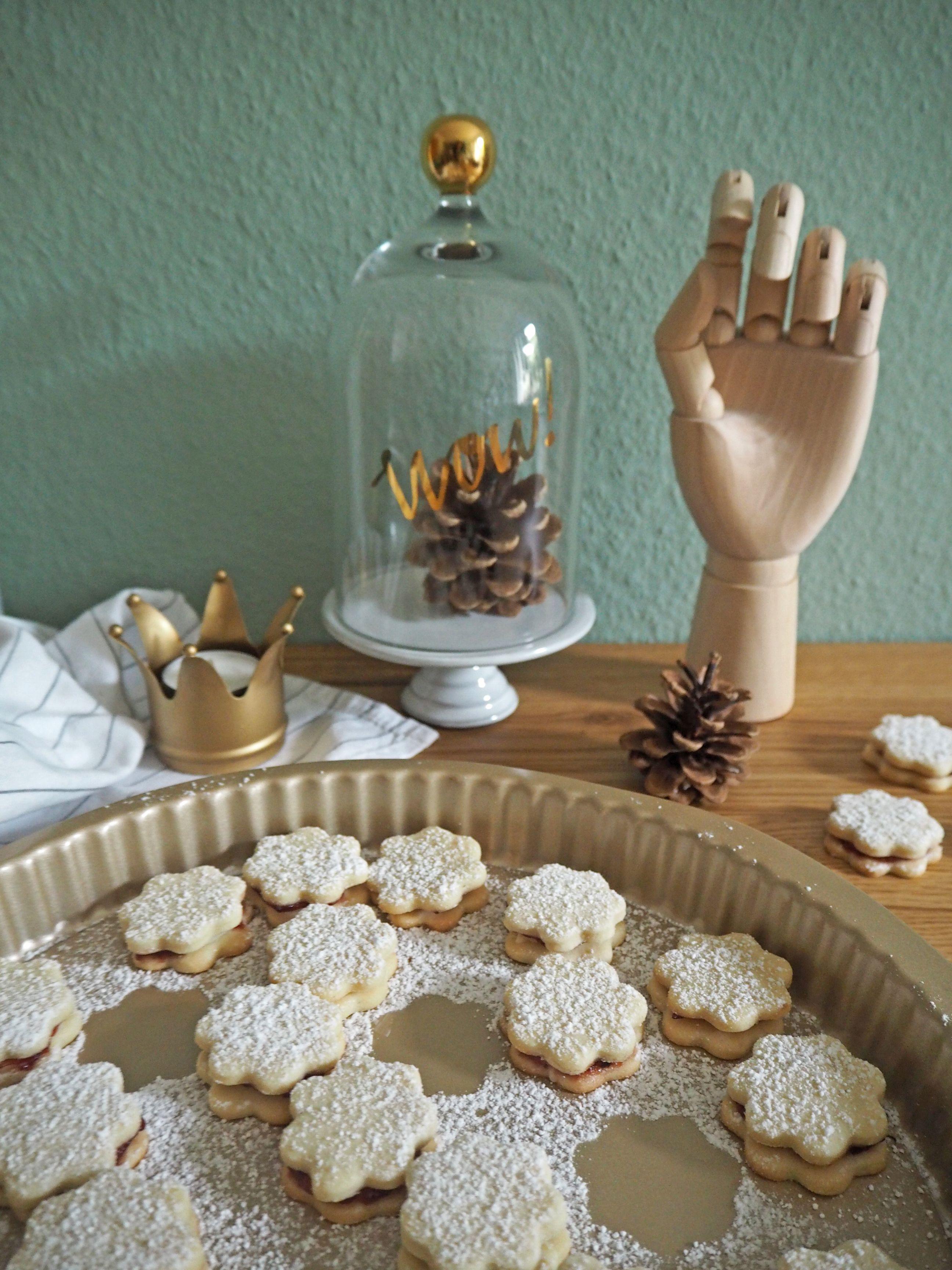 2018-skoen-och-kreativ-food-god-jul-plaetzchen-vanille-cookies-mit-marmelade (9)