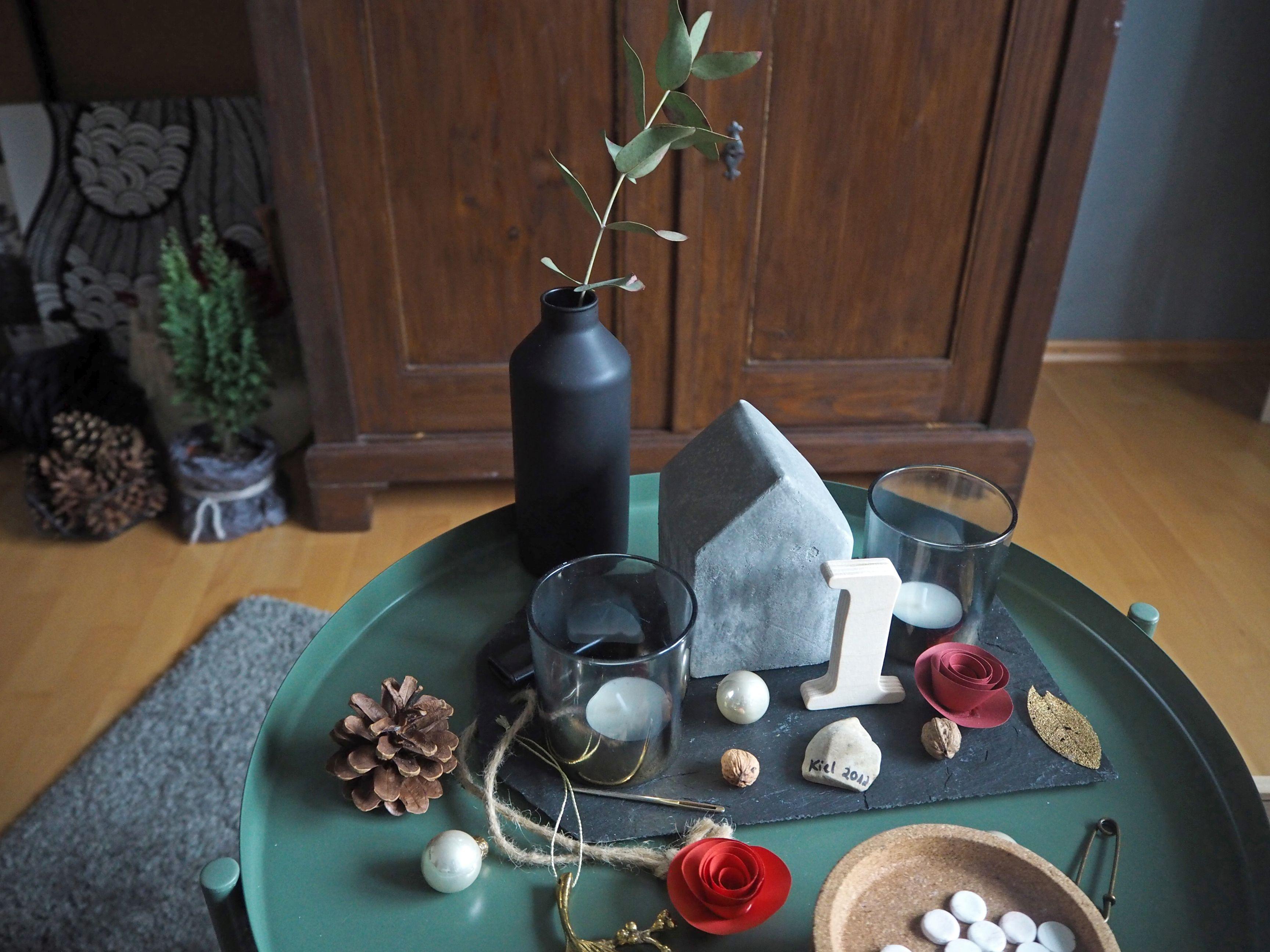 2018-skoen-och-kreativ-interior-god-jul-klassisches-rot-fuer-weihnachten-wohnzimmer (14)