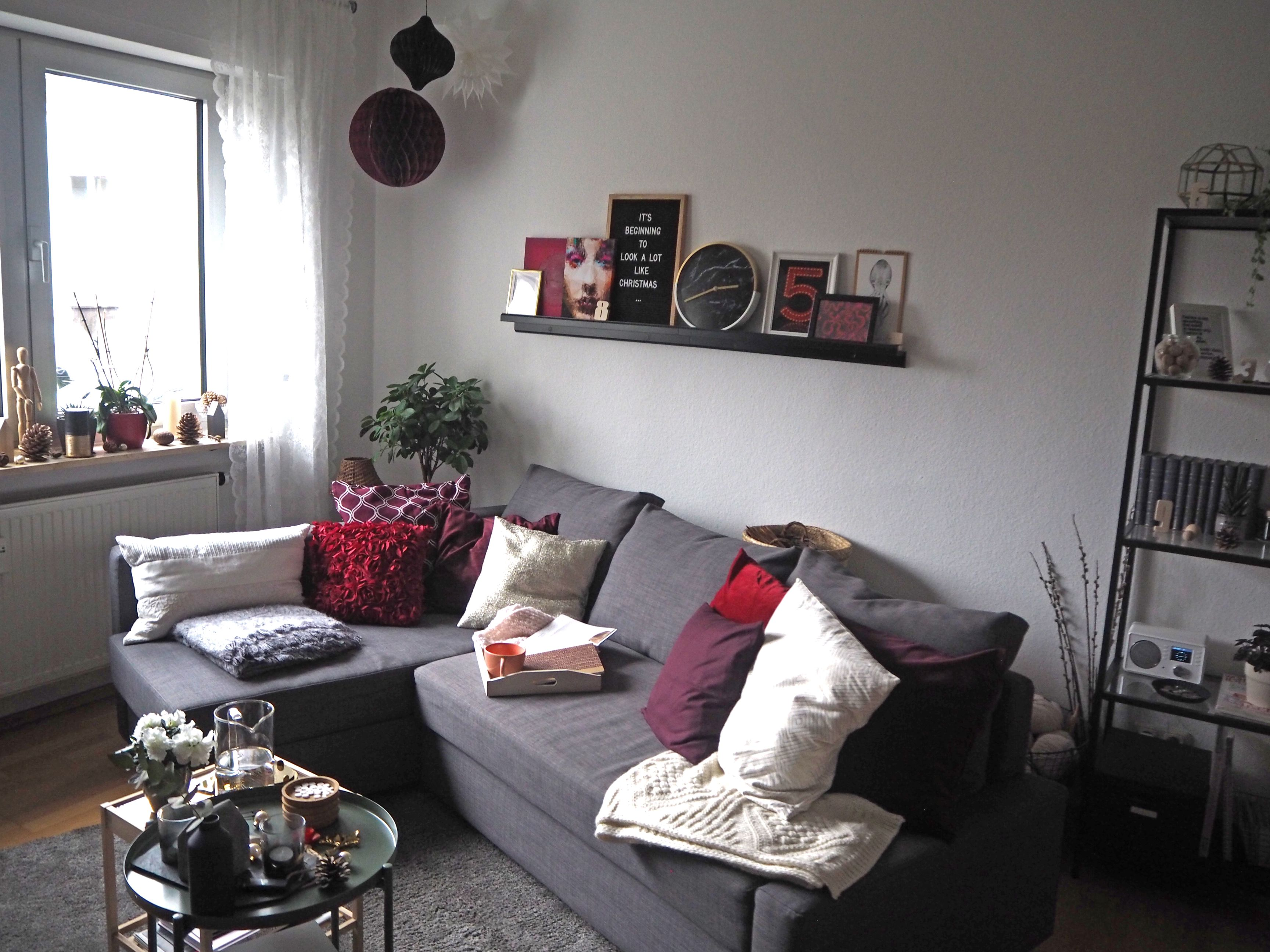 2018-skoen-och-kreativ-interior-god-jul-klassisches-rot-fuer-weihnachten-wohnzimmer (19)