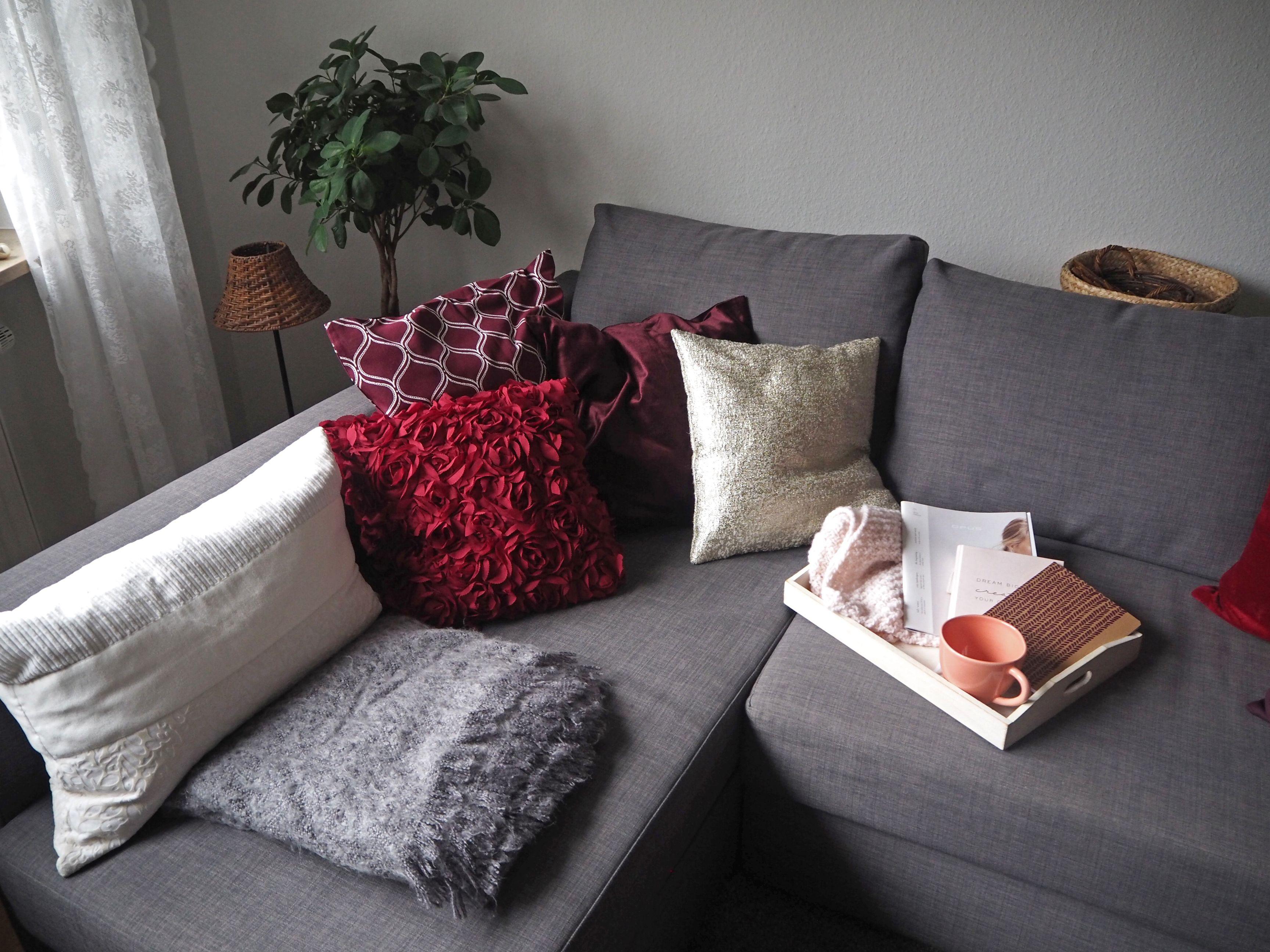 2018-skoen-och-kreativ-interior-god-jul-klassisches-rot-fuer-weihnachten-wohnzimmer (9)